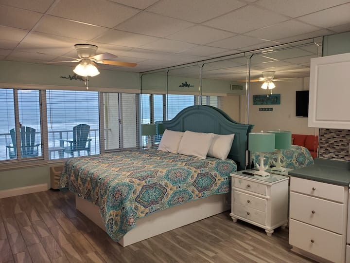 Emerald Escape - King Bed / Heated Pool
