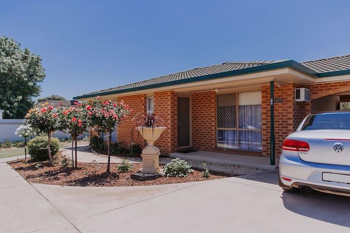 #10 Central Wagga Apartments