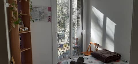 Cosy Room near Sagrada Familia w/ Small Balcony