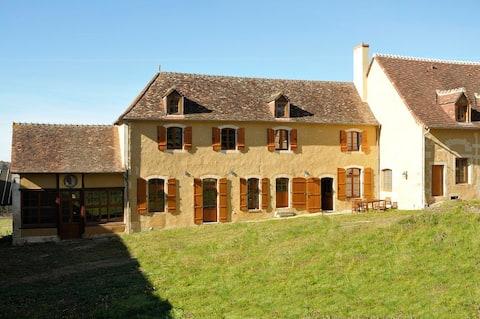 Pleasant cottage at Château du Magnet