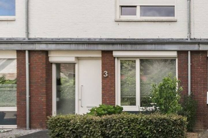 Spacious house close to city centre Maastricht