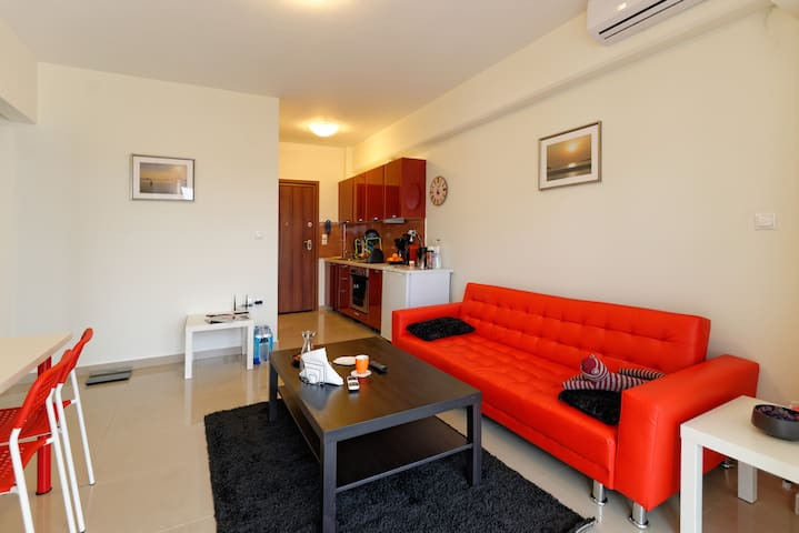 Modern and comfortable 2 bedroom