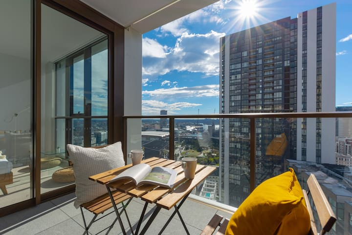 Darling Harbour View On Your Balcony in CBD