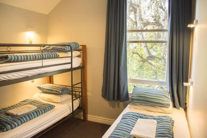 3 Bed Dorm Female - YHA Christchurch