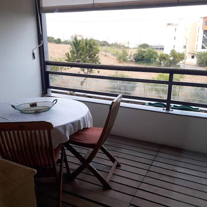 Appartement d'une chambre à Lagos, avec magnifique vue sur la mer, piscine partagée et balcon aménagé - à 1 km de la plage