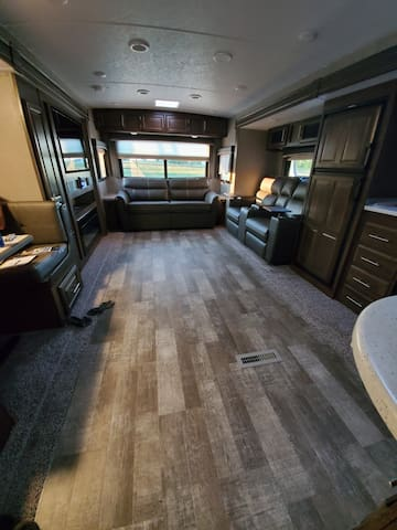 New RV with view of horses on Little Salmon River