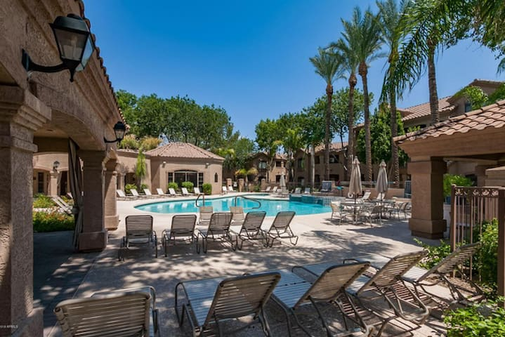 N. Scottsdale - Signature resort living
