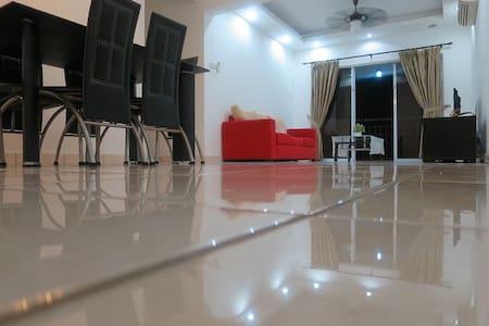 {TT}Welcoming & Cozy Condo Room-3 in Puchong - Puchong - Appartement en résidence