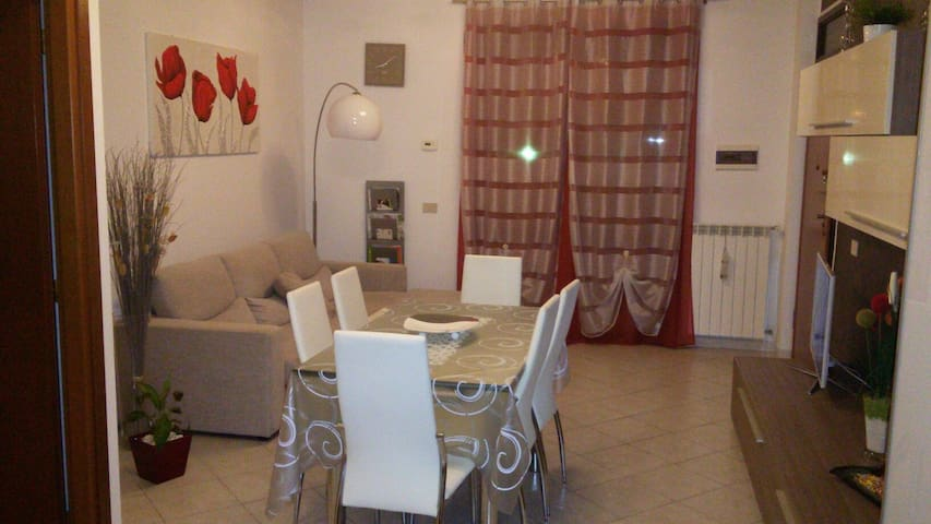 Appart. moderno in zona tranquilla - Cascina - Appartement