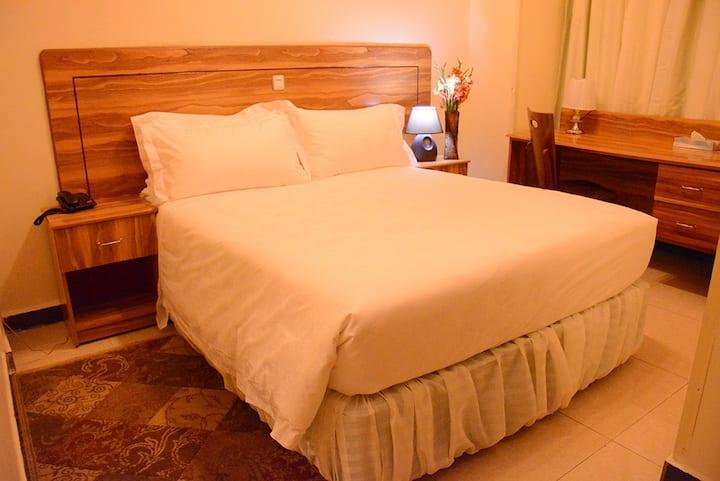 Single Room (La Posh Hotel)