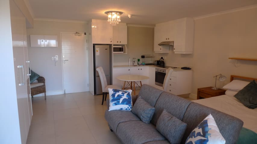 Studio Apartment in Upper Claremont - Cape Town - Apartemen