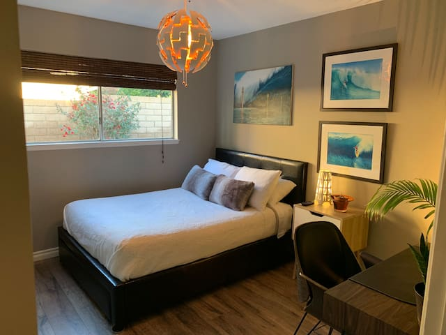 Private Bedroom for 1 or 2 Near Disney