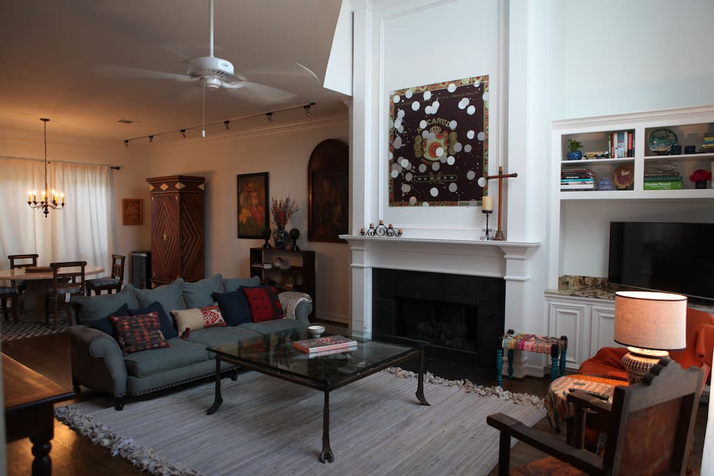 living area with gas fireplace