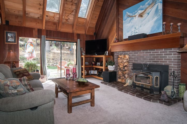 Alpine Bliss - 3Bedroom Private Hot Tub & Dogs OK! - Alpine Meadows
