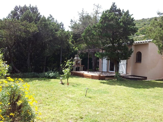 Calme maisonnette d'environ 50m2, - Pianottoli-Caldarello - Hus