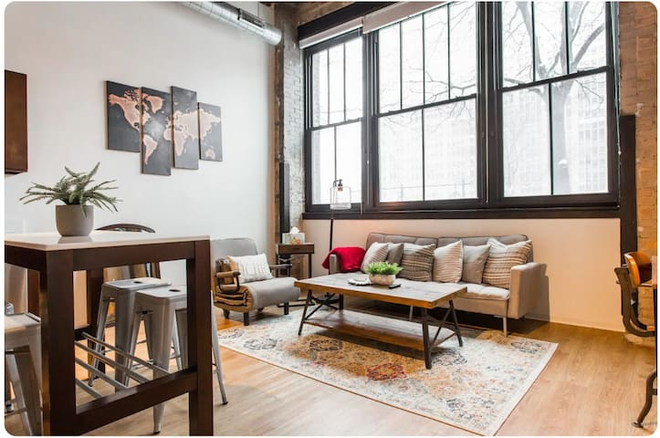 ★ 40% Off! ★  The Cozy 1BDR Timber Loft ➟ Unit 3