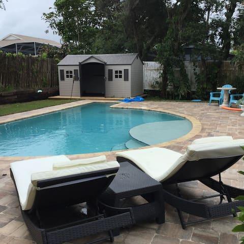 Beach house with pool - New Smyrna Beach - Haus