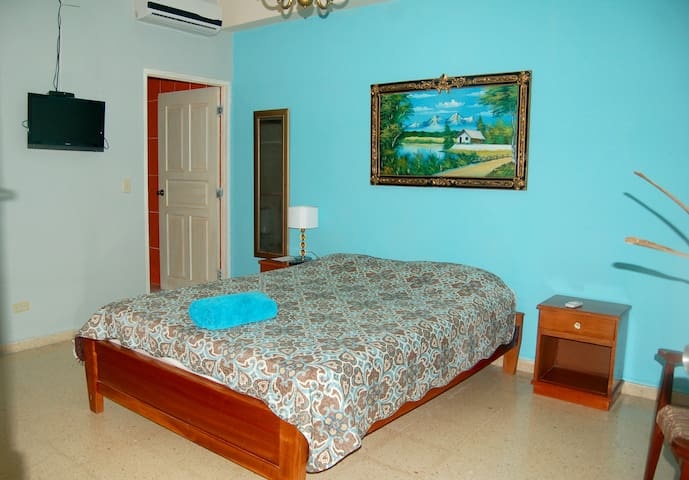 Queen room with private entrance - PA - Bed & Breakfast