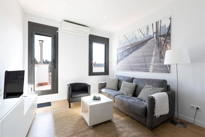 Incredible studio  penthouse in Portaferrisa