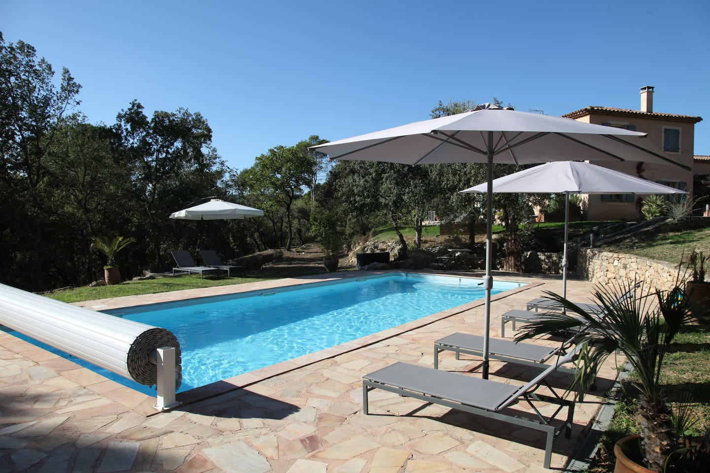 Heated pool 14x5m (April-Oct)