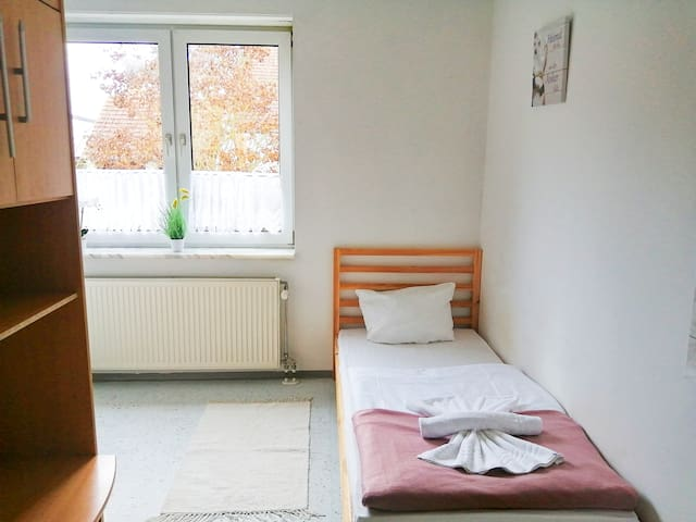 Single bedroom in apartment, Bodenwöhr (ID 201/Z6)