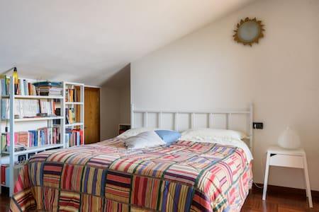 Mansarda in villetta bifamiliare - Montevarchi - Bed & Breakfast