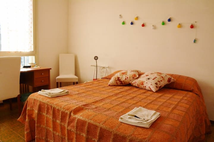 Cozy Bright Room in the centre of Padova