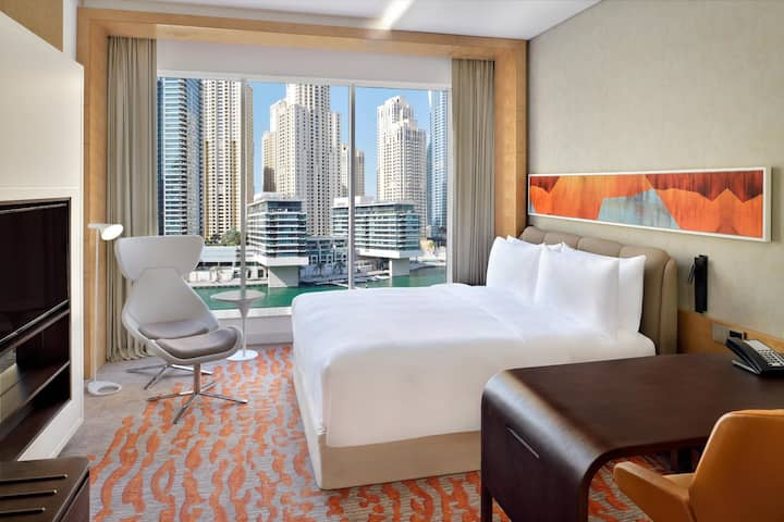 Fantastic Room Club Double Bed At Dubai