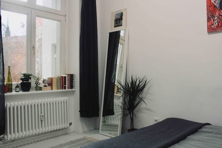 Stylish room at Prenzlauer Berg/3 min to Maeurpark