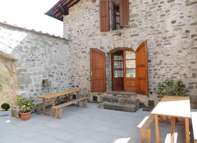 casa vacanze camelia - Pescaglia - บ้าน