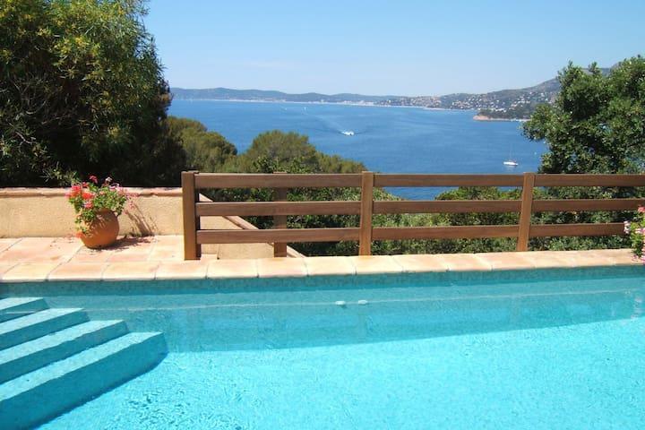 Villa 10 couch. 100m plage au Cap Nègre, Juillet - Le Lavandou - Hus