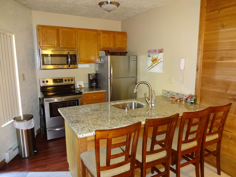 Newer appliances, counter tops and furnishings make this a great place for your stay on the mountain!