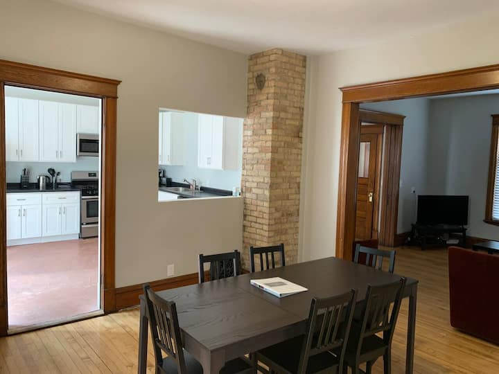 ★Large★Families★Sleeps up to 8★1.5mi to Downtown!★