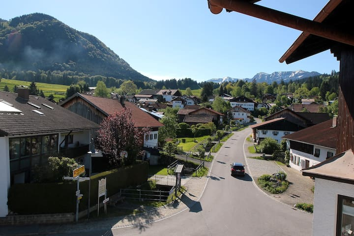 Modern holiday apartment with mountain view - Halblech - Daire