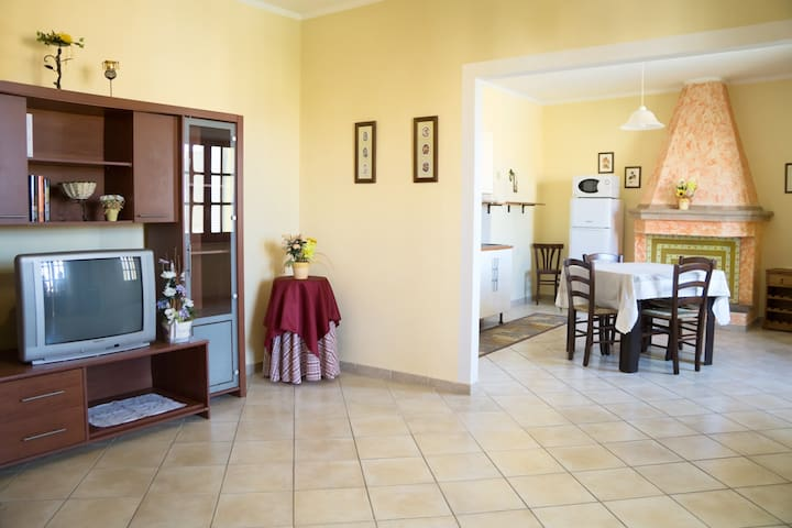 A casa da Luisa nel Sud-Ovest sardo - San Giovanni Suergiu - Huoneisto