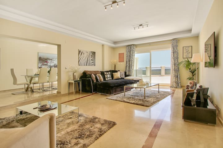 San Roque Club 4 BR Penthouse With Sea Views