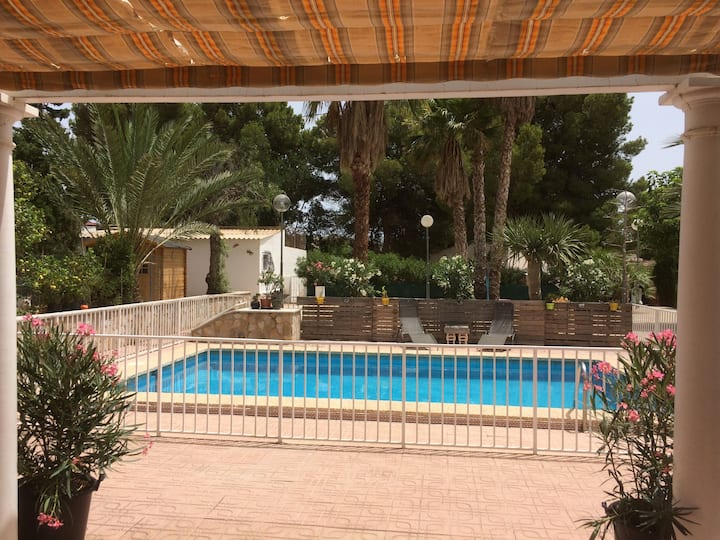 Jolie villa avec piscine privée