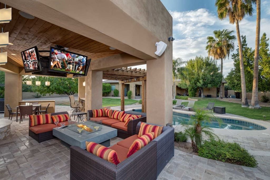 """Plenty of outdoor seating! Don't miss a game with these 4 TV""""s circling the patio!"""