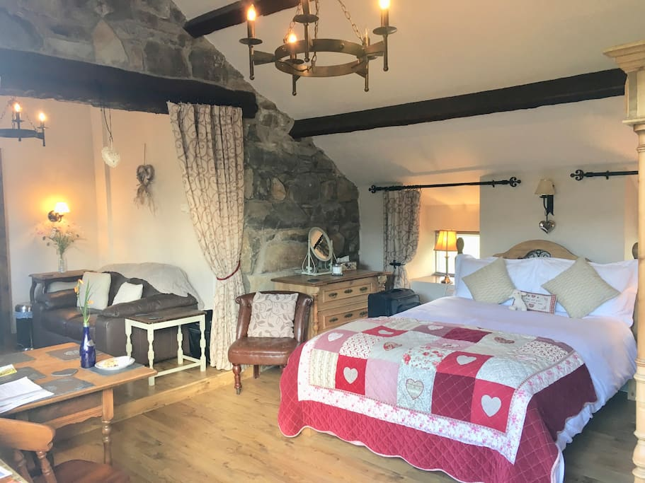 Detached Romantic suite on an organic working sheep farm