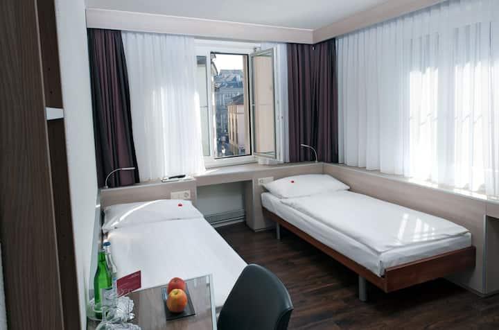 Hotel Alexander Zürich - Zweibettzimmer(Wlan)