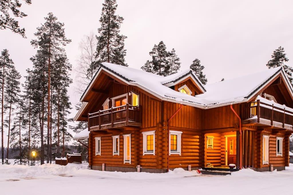 Villa Lake House