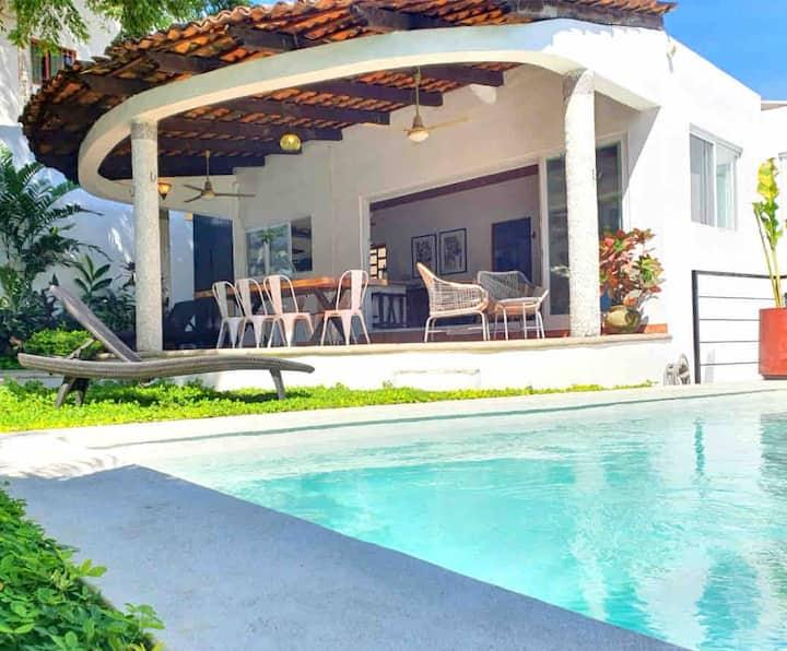 Casa Chicharra- Work Remotely Tranquil Pool