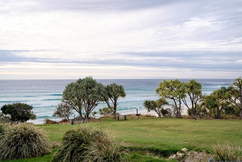 Wonderful north facing views over Deadmans Beach out to the Coral Sea.