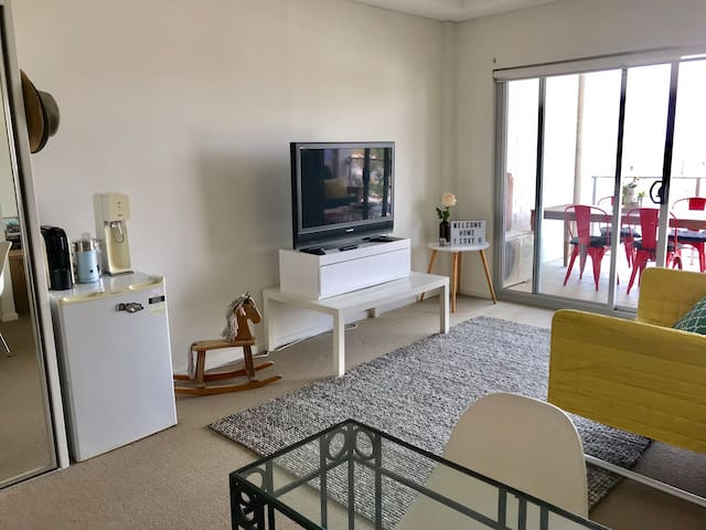 Nice studio 10 minutes walk from the city