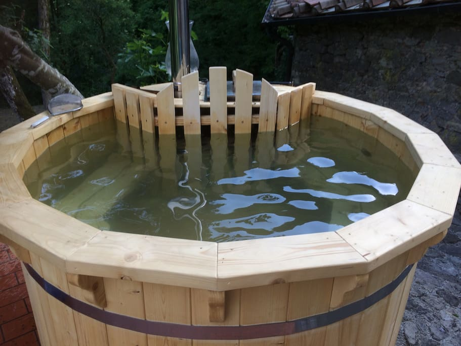 1.8  meter diameter Hot Tub (seats 6)Water will be fresh and warmed for your arrival