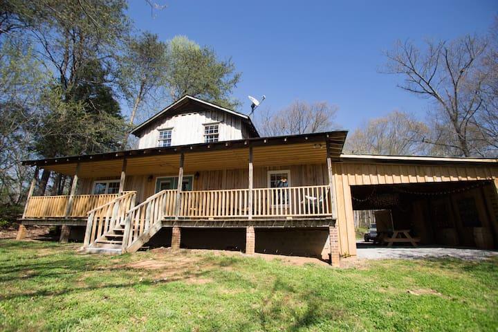Serenity Lodge On The River - Bluff City - Casa de vacaciones