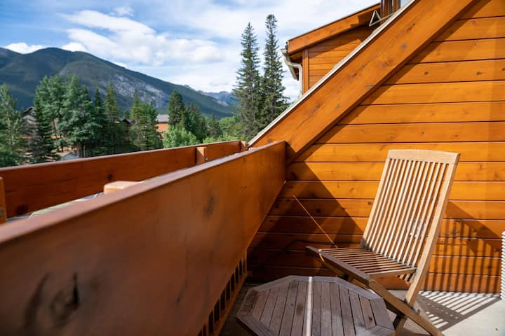 Bright + Deluxe Rockies Suite with Loft | soak in Grotto Hot Pools!