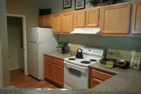 Lg Room w/ Wi Fi near Atlanta GA - Lithia Springs