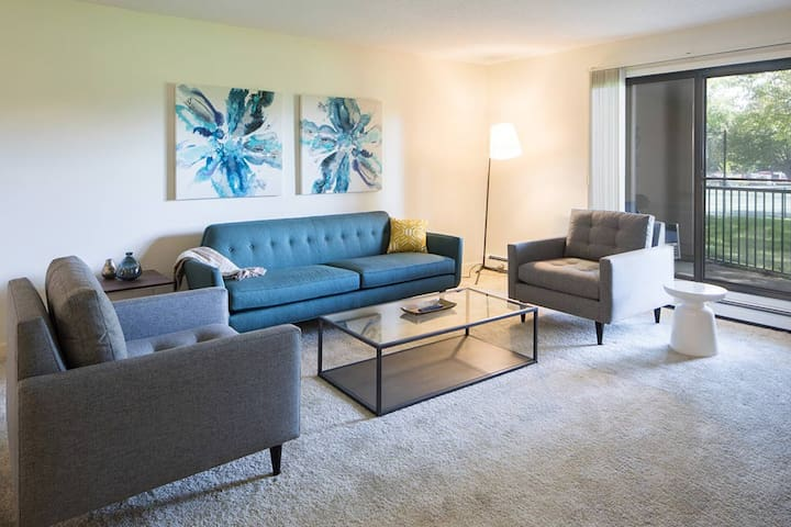 Everything you need | 2BR in Burnsville