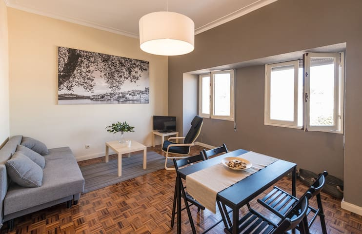 Fontinha's Charming Flat with Free Parking